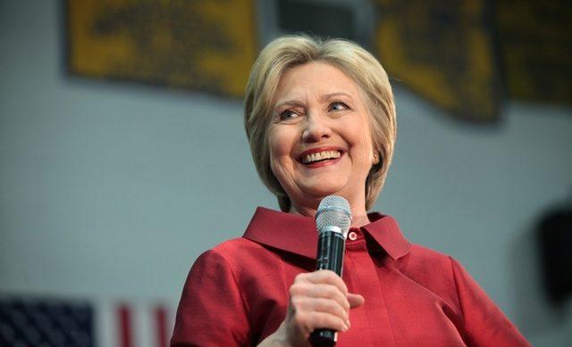 Hillary_Clinton_Carl_Hayden_High_School_in_Phoenix,_Arizona